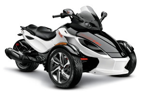 2014 can-am spyder front